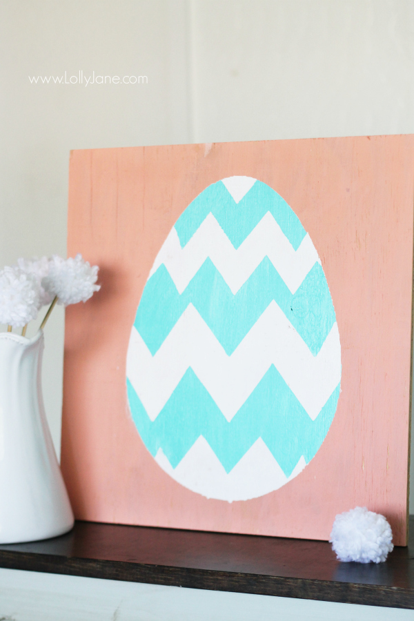 Spring Easter egg sign decor, quick tutorial! |via LollyJane.com #spring #easter