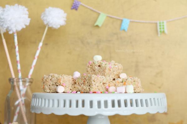 YUMMY Easter/spring rice crispy treats! Great kid helper recipe (: