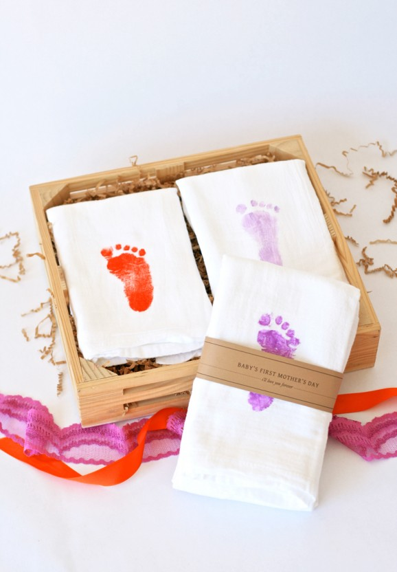 Footprint Towels + Lots of other Mothers Day gift ideas!