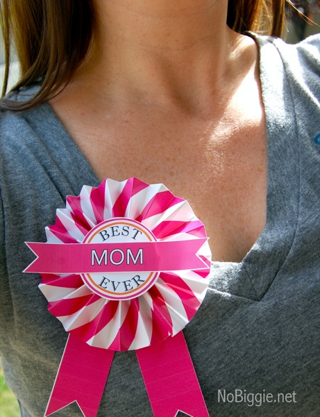 Mom Button + lots of other Mothers Day ideas!