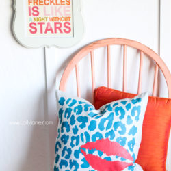 Stenciled pillow tutorial