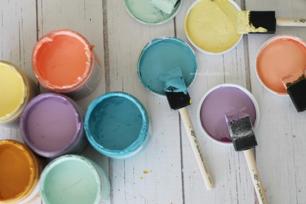 Love Americana DecoArt's variety of chalky paint colors. Come see how to use this affordable paint! @lollyjaneblog