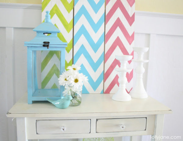 Chevron Summer Mantel- cute handpainted zig zag signs. An easy DIY via @LollyJaneBlog