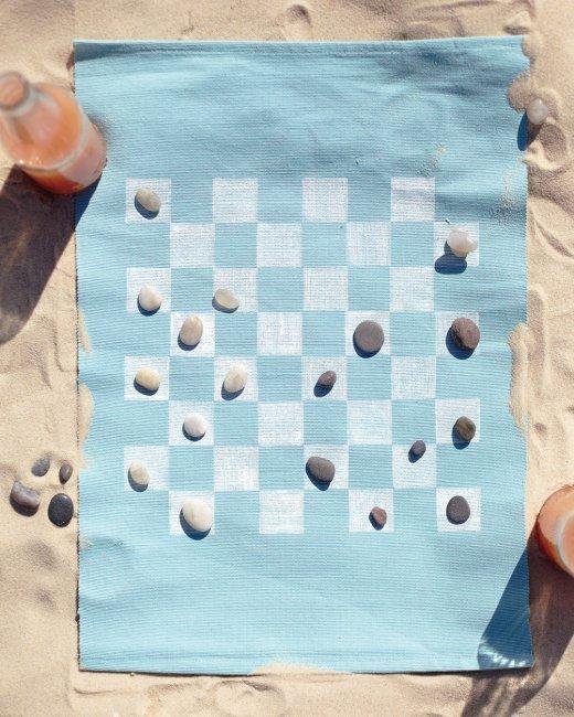 DIY Checkerboard Mat