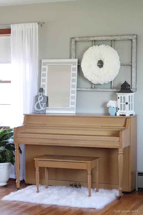 Gorgeous Living Room Tour via @lovegrowswild