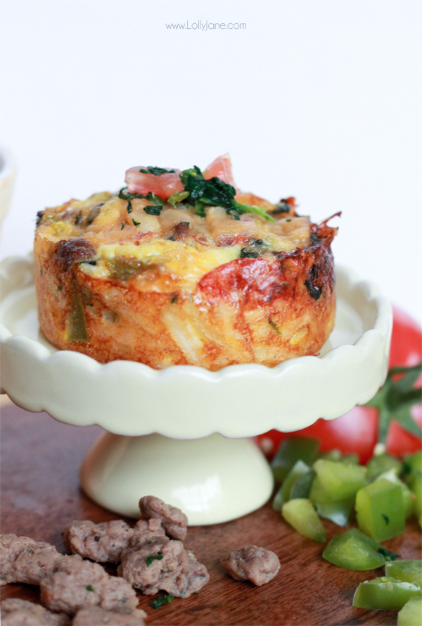 Sausage & Egg Hash Brown Cups. Perfect for breakfast or brunch! | lollyjane.com