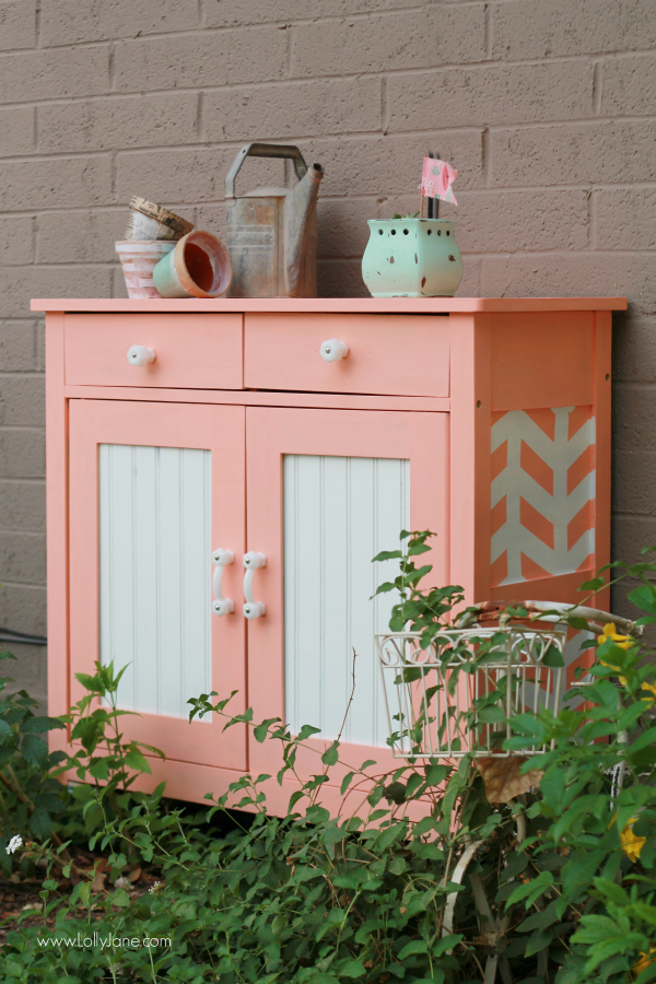 Pretty painted DIY rolling garden cart | via lollyjane.com