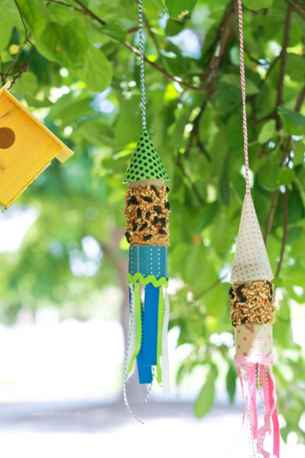 DIY rocket bird feeder