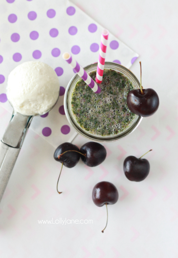 YUMMY Cherry Vanilla Green Smoothie! via lollyjane.com