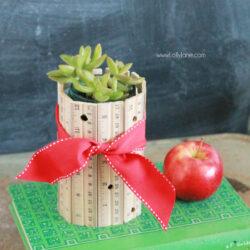 DIY ruler vase
