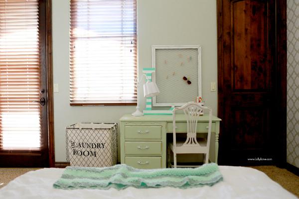 Gray white mint girls bedroom |lollyjane.com