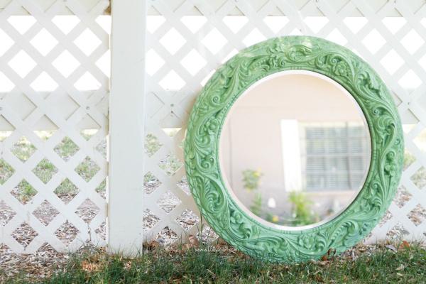 Spray Painted Mint Mirror | lollyjane.com
