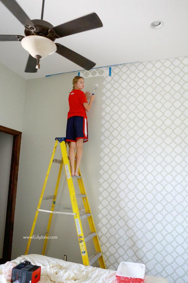 Pretty moroccan stencil wall | lollyjane.com
