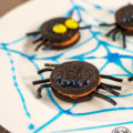 OREO spider cookies, so cute!!