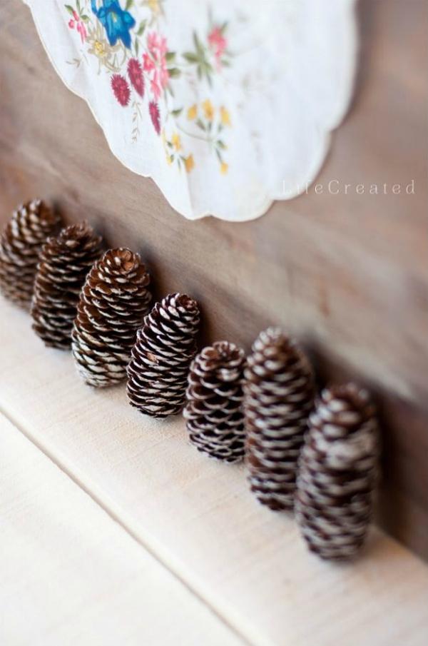 Easy acorn fall decor, so pretty!