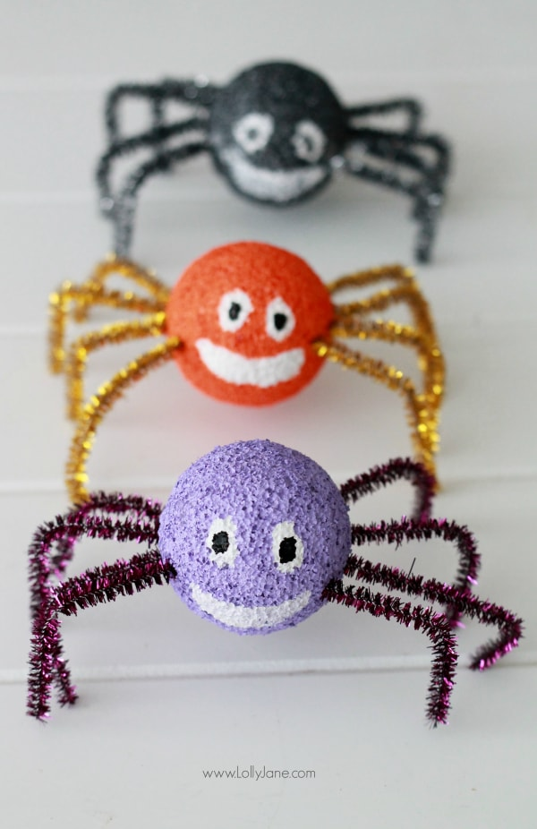 Adorable and easy styrofoam spiders...fun Halloween craft for the kids!
