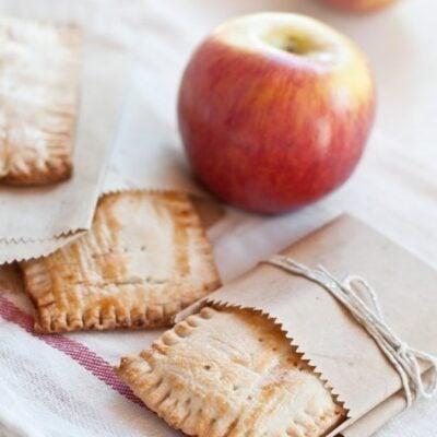 Applesauce pie tarts
