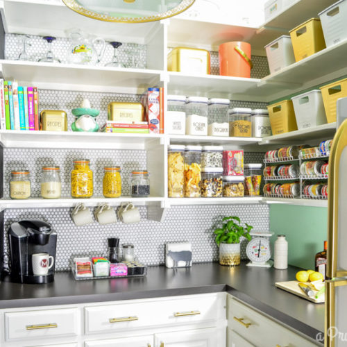 The cutest organized pantry!!