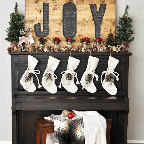 Darling Rustic Woodland Christmas Mantel
