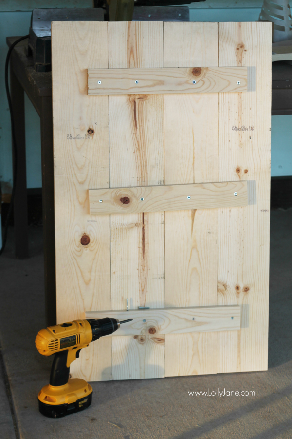 DIY | Easy way to build pallet art using new wood, very cost effective for a huge sign! www.lollyjane.com