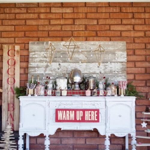 Modern Vintage Christmas themed party ideas, so pretty! Lots of Christmas decor ideas!