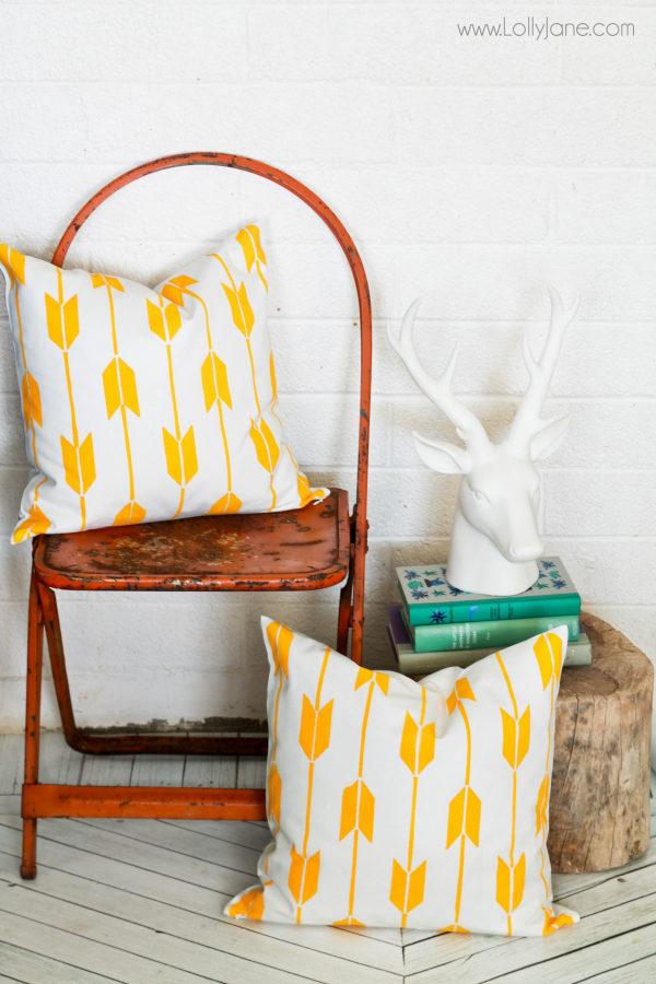 Easy DIY Stenciled Pillow