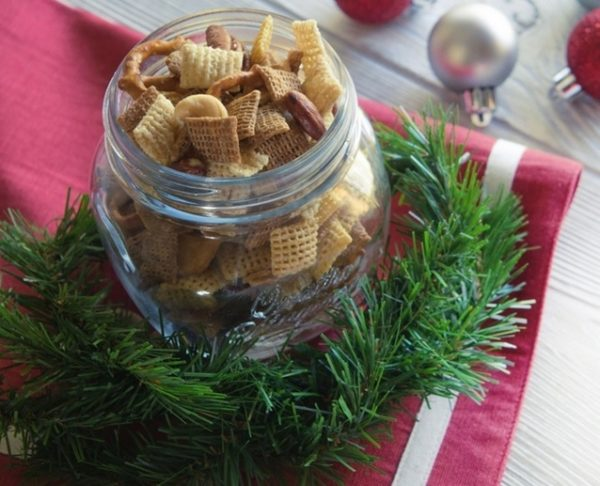Chex party mix + holiday entertaining tips to simplify!