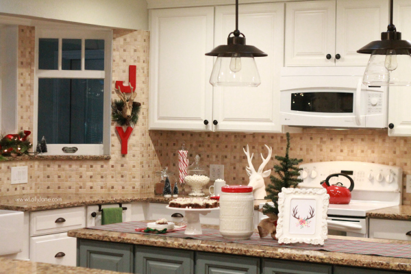 easy christmas decor ideas ways to bring red into your kitchen with some simple accessories - Christmas Kitchen Decor