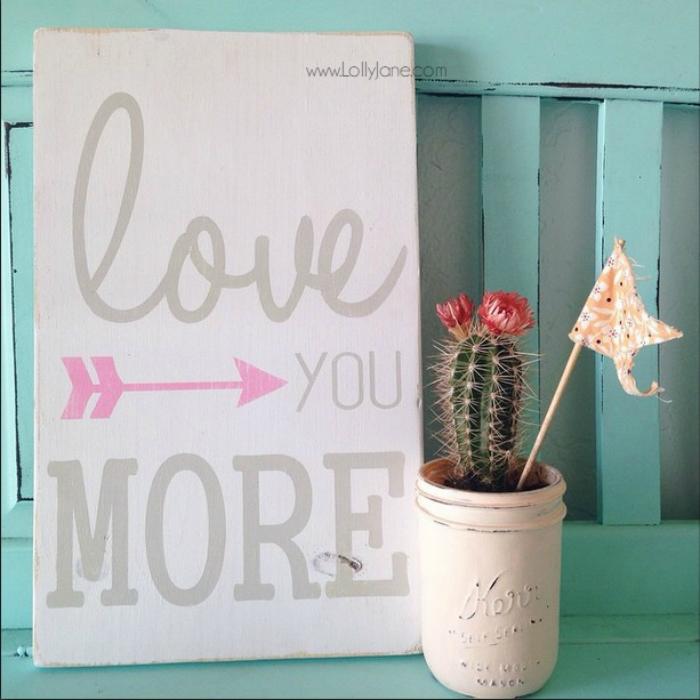 Love you More arrow sign, so cute!