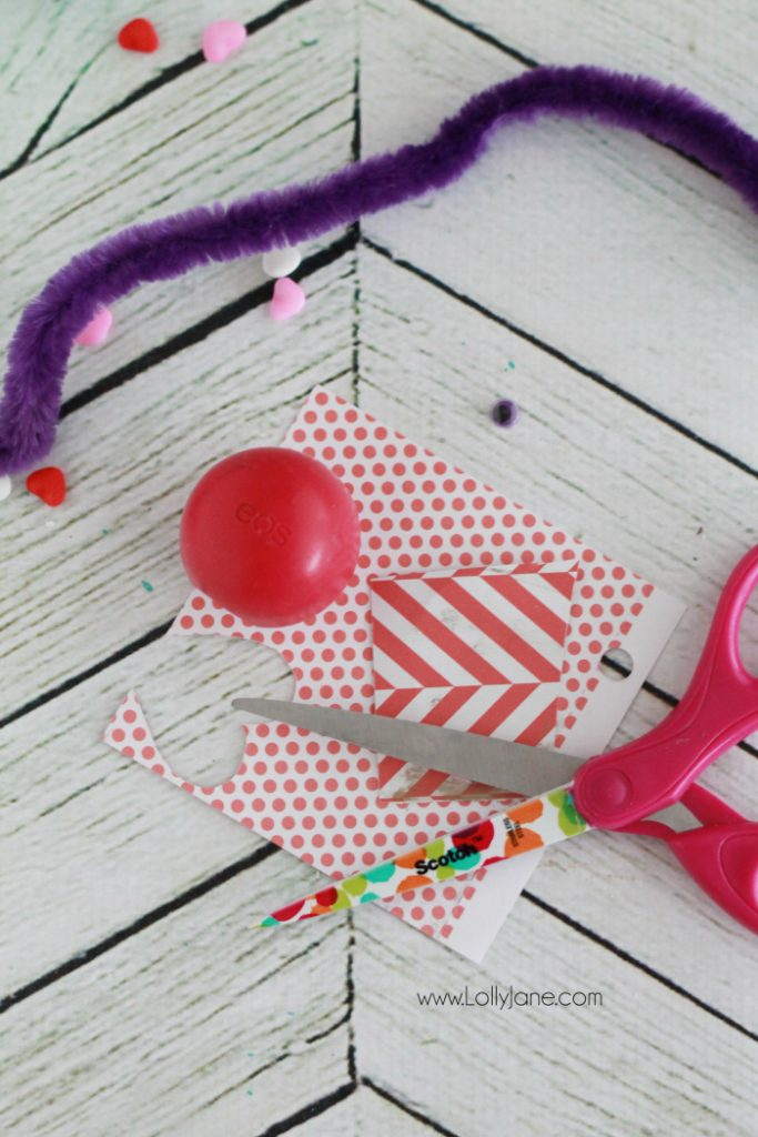 EOS love bug Valentine, so adorable and so easy! Makes a fun Valentine gift, great for kids or a cute teacher gift or fun coworker gift as well! Click through for the final product!