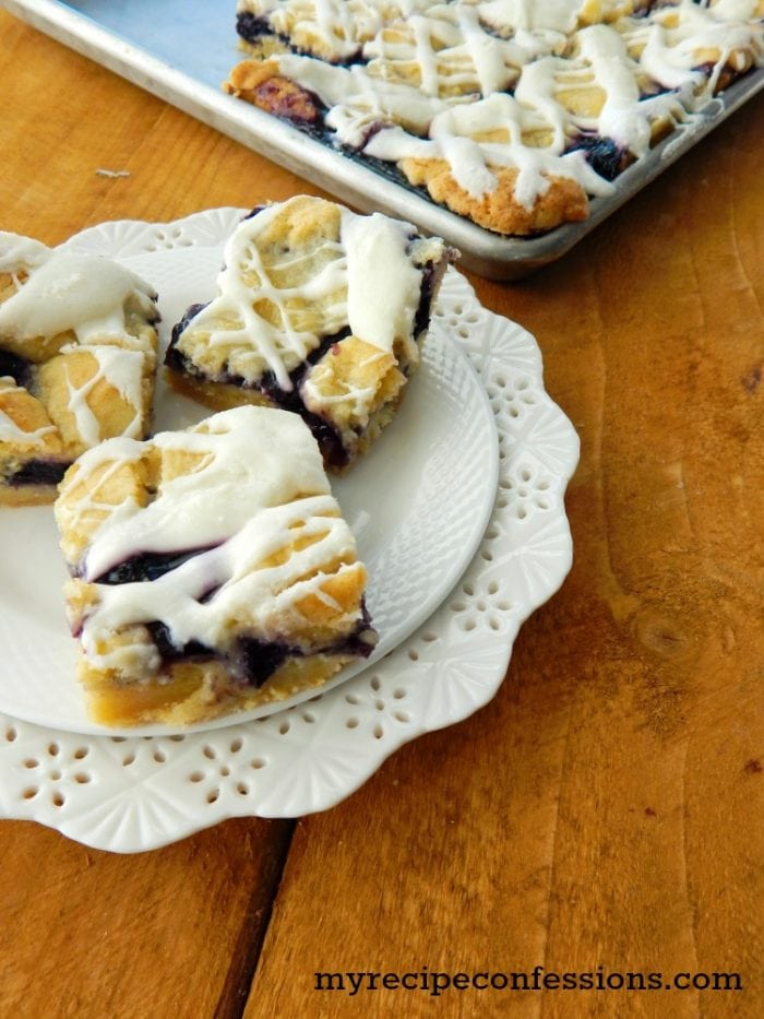Amazingly delicious Blueberry Kuchen Bars |via MyRecipeConfessions