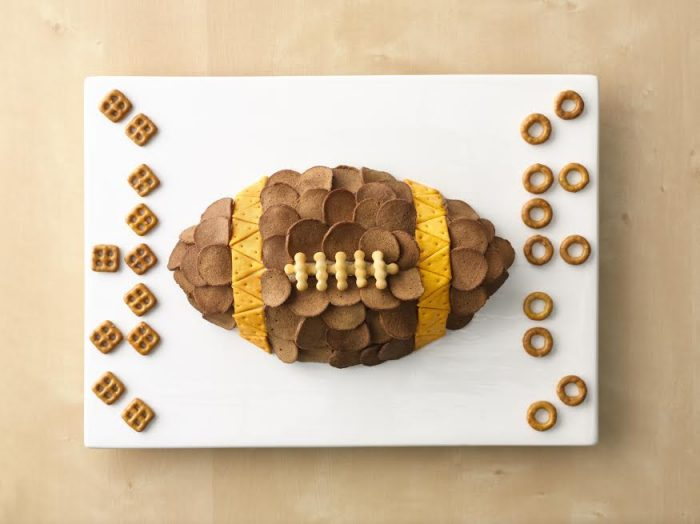 Superbowl Snack: New England Patriots, Patriotic Chex Mix idea!! Great Superbowl Sunday food! Love this for the Superbowl appetizer!