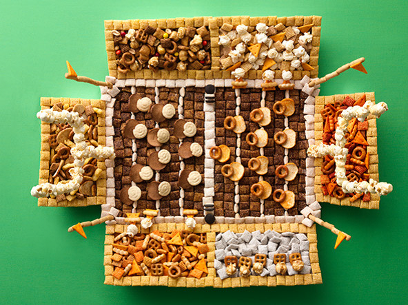 Superbowl Snack: Seattle Seashawks, Chex Mix idea!! Great Superbowl Sunday food! Love this for the Superbowl appetizer!