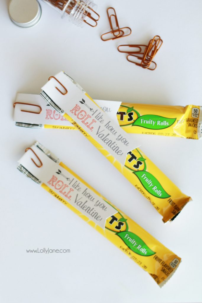 I like how you ROLL, Valentine! Free printable tag! No candy Valentine's Day idea, yummy fruit roll ups!
