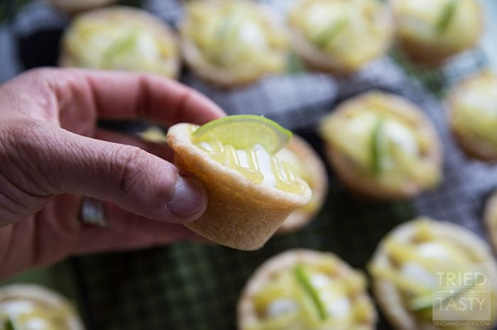 Holy YUM! These lime curd sugar cookie cups are sooo good!! What a fun family treat or great neighbor gift idea!