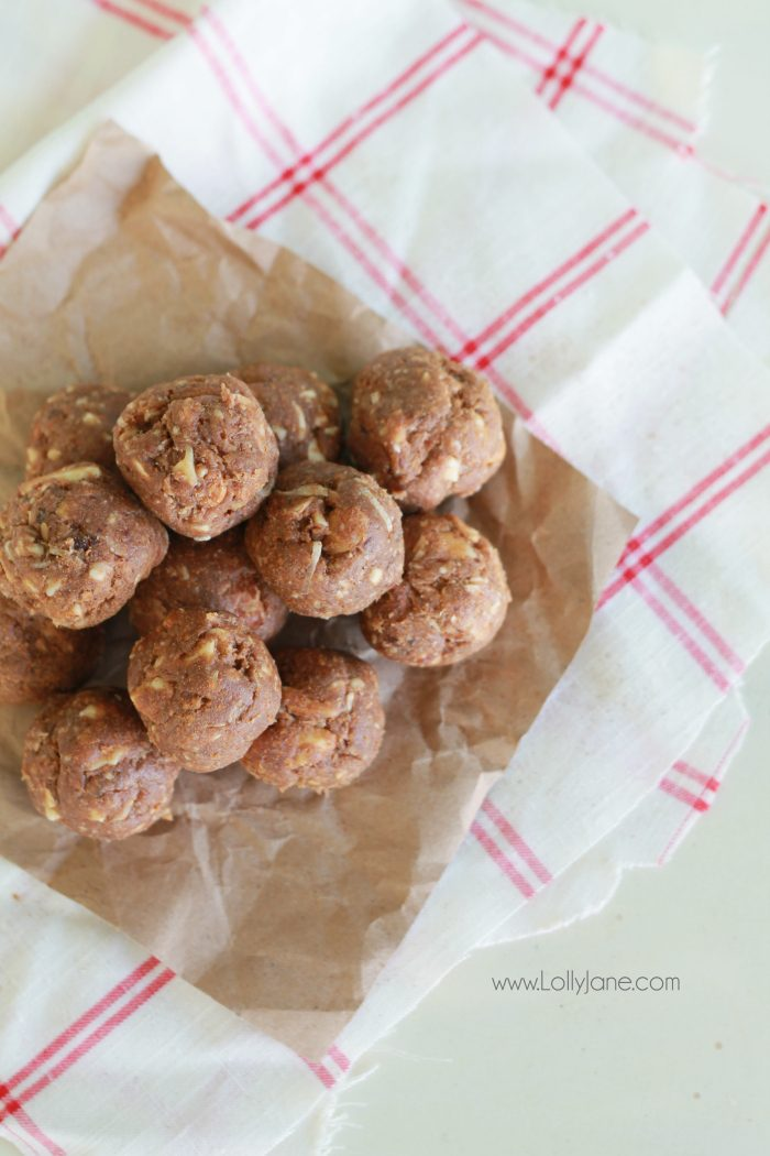 Easy and HEALTHY treat! This almond date ball recipe will leave you satisfied without the guilt. No sugar added!