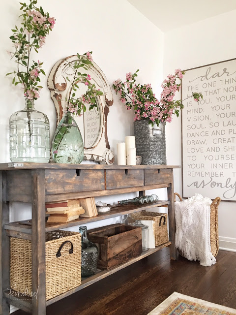 Pretty stained sideboard table, so gorgeous!