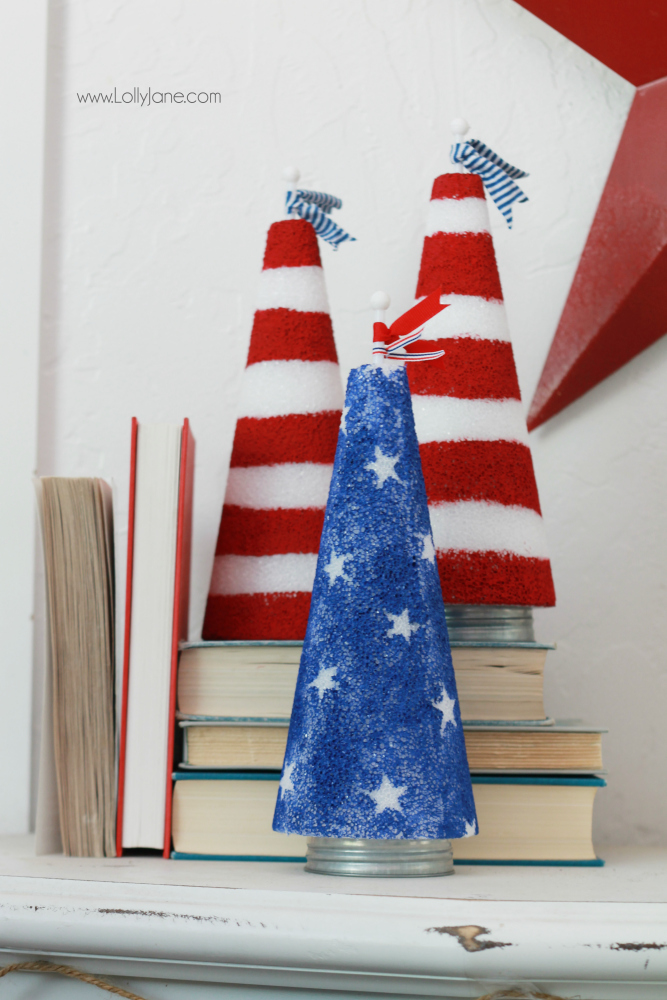 Easy 4th of July mantel! Love this patriotic decor using found things around the house. DIY 4th of July mantel, the patriotic foam cones were easy to make, inexpensive 4th of July decor!