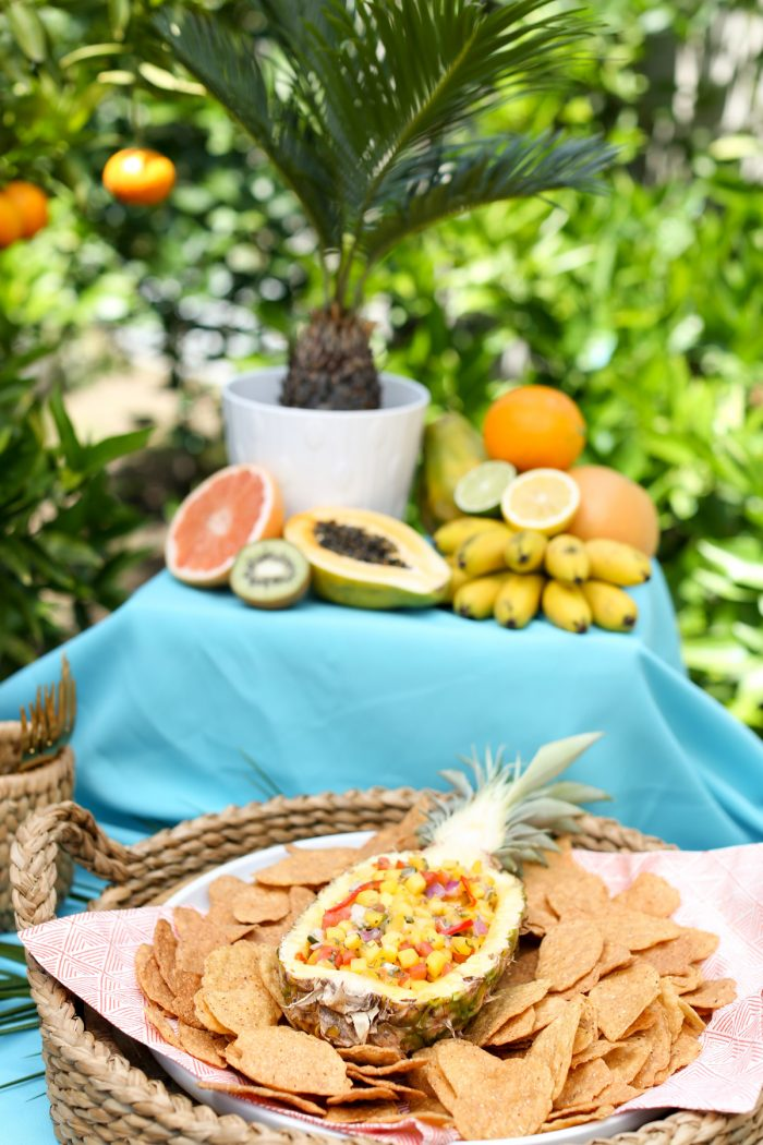 Make a fun layout for summer snacks for the perfect summer party! Plus top 5 punch recipes! Click through for 4 more yummy punch recipes plus luau party ideas!