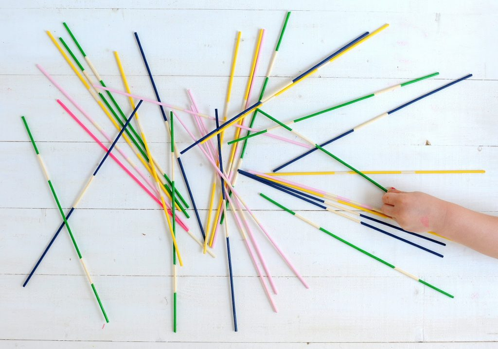 Look how easy this pretty DIY pick up sticks game is to make!