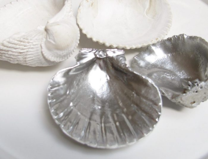 DIY Seashell Candle Tutorial |happyhappynester.com