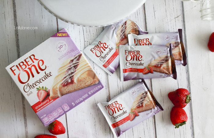 Fiber One Cheesecake Bar Parfaits. Super easy to throw together, a perfect low cal treat!