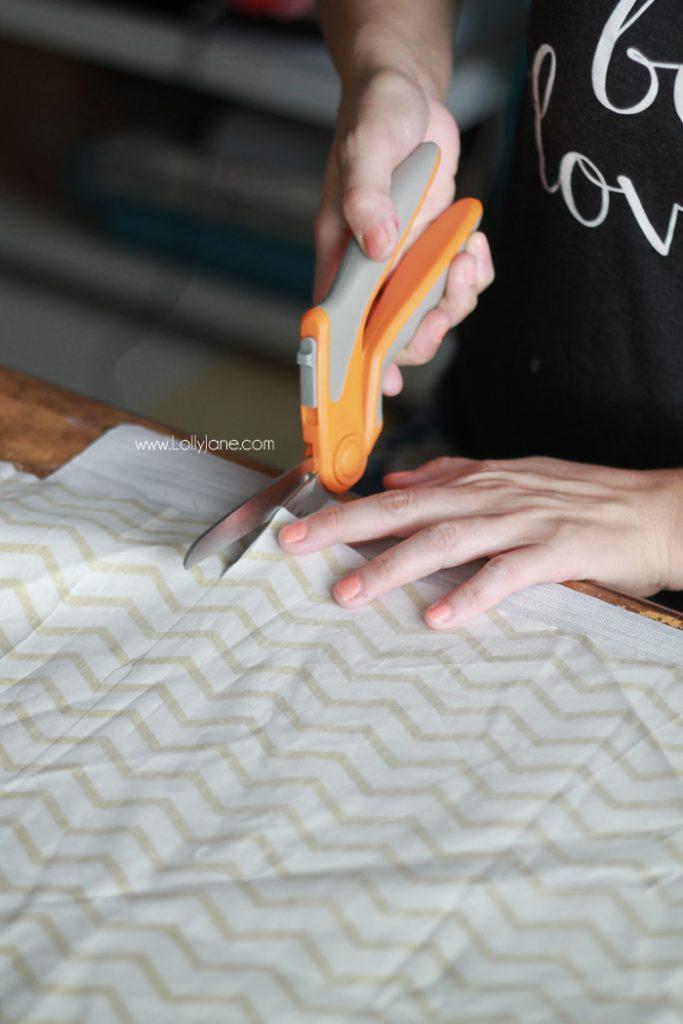 Easy DIY Fall Pumpkin Pillow tutorial