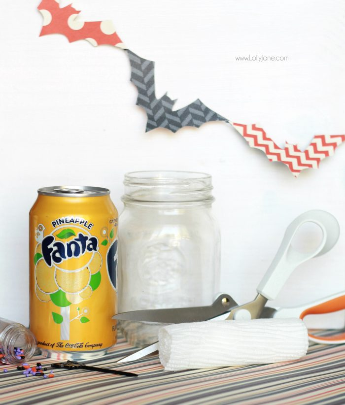 Halloween Mummy Soda Float! Cute! Just wrap mason jar in medical gauze, add eyes then pour soda in + ice cream over. Perfect for spooky parties!