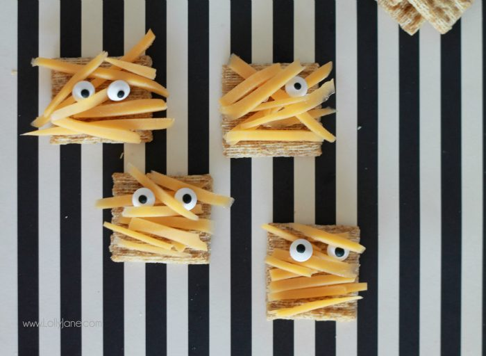 Halloween Party Mummy Cracker Appetizers, perfect for spooky parties!