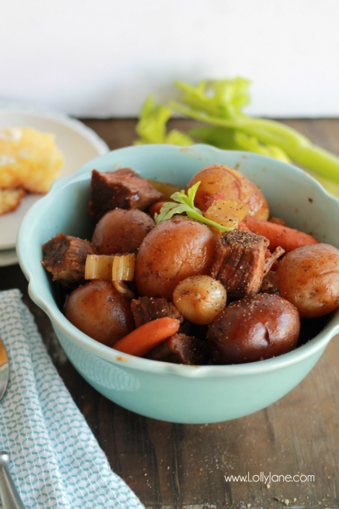 Easy Crock Pot Beef Stew... just toss ingredients in the crockpot and enjoy! YUM!