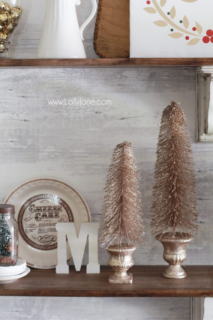 How to decorate shelves for Christmas