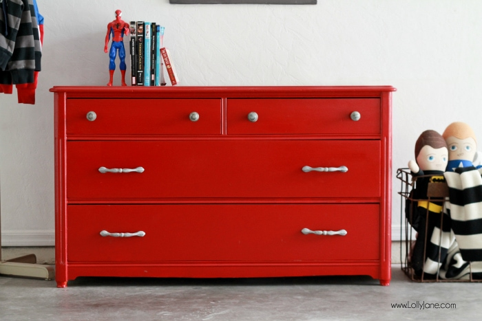 Super easy glossy dresser makeover... click this before to see the beautiful AFTER!