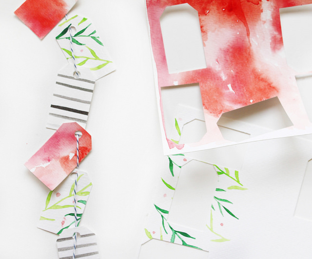 DIY watercolor tags. See this easy tutorial on how to make pretty Christmas tags!