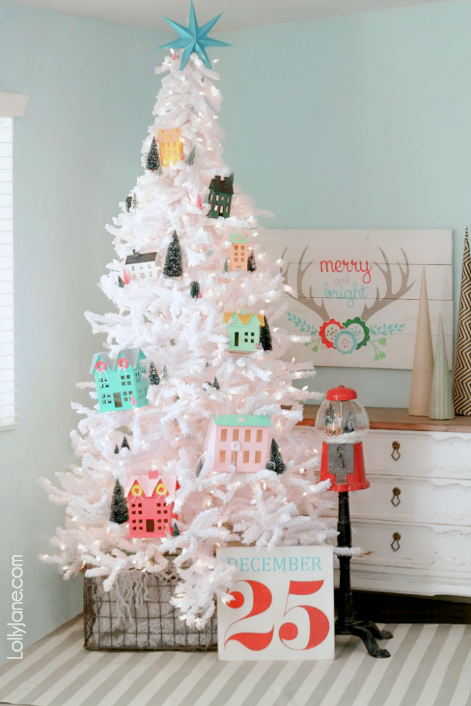 Cutest ever Christmas Village Tree... and those bottle brush trees in it! LOVE! So easy to recreate this look, take a peek! #diy #bottlebrushtree #christmastree #christmasdecorations #christmasvillage